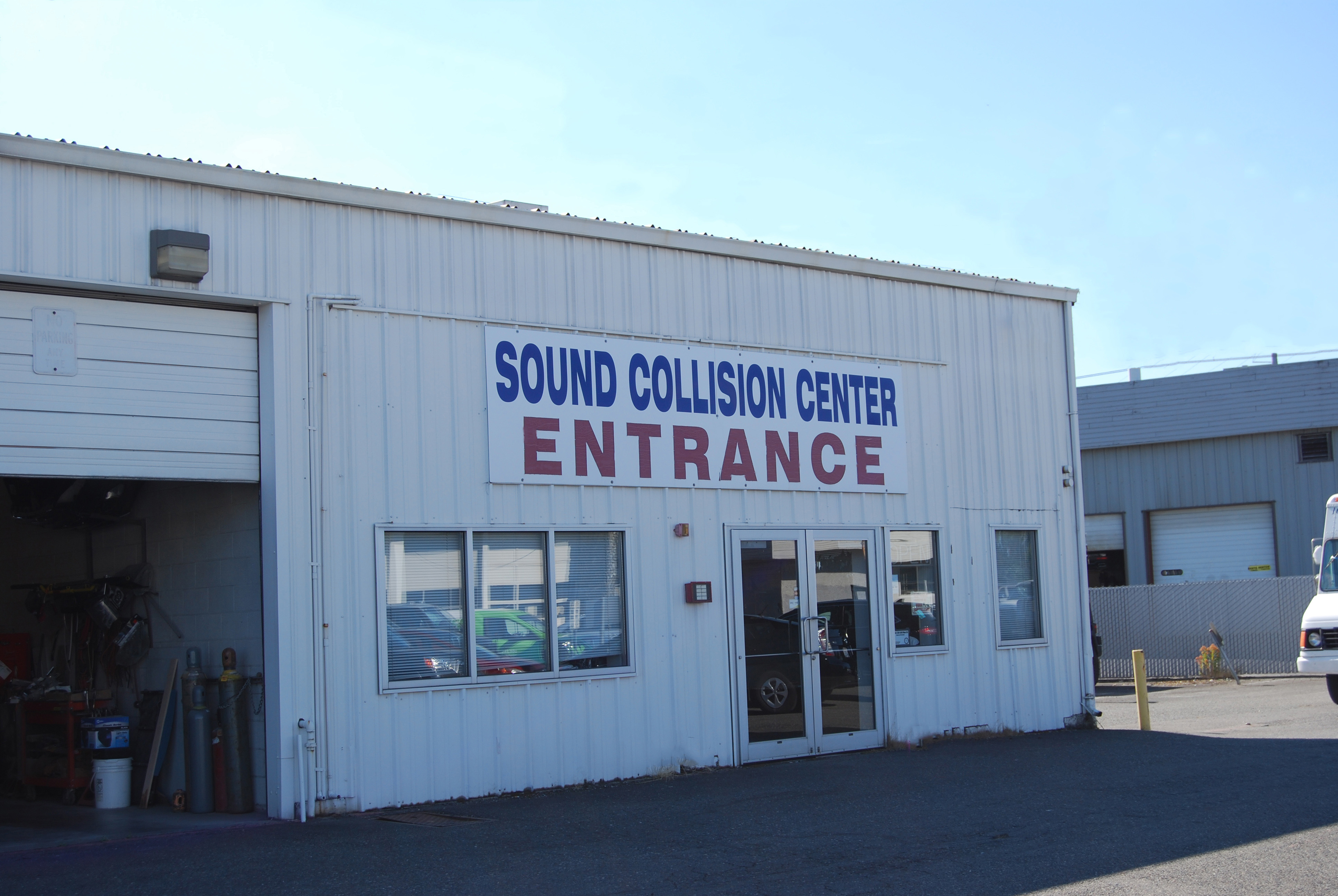 Sound Ford Collision Facility