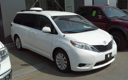 2015 toyota sienna le for sale in renton washington
