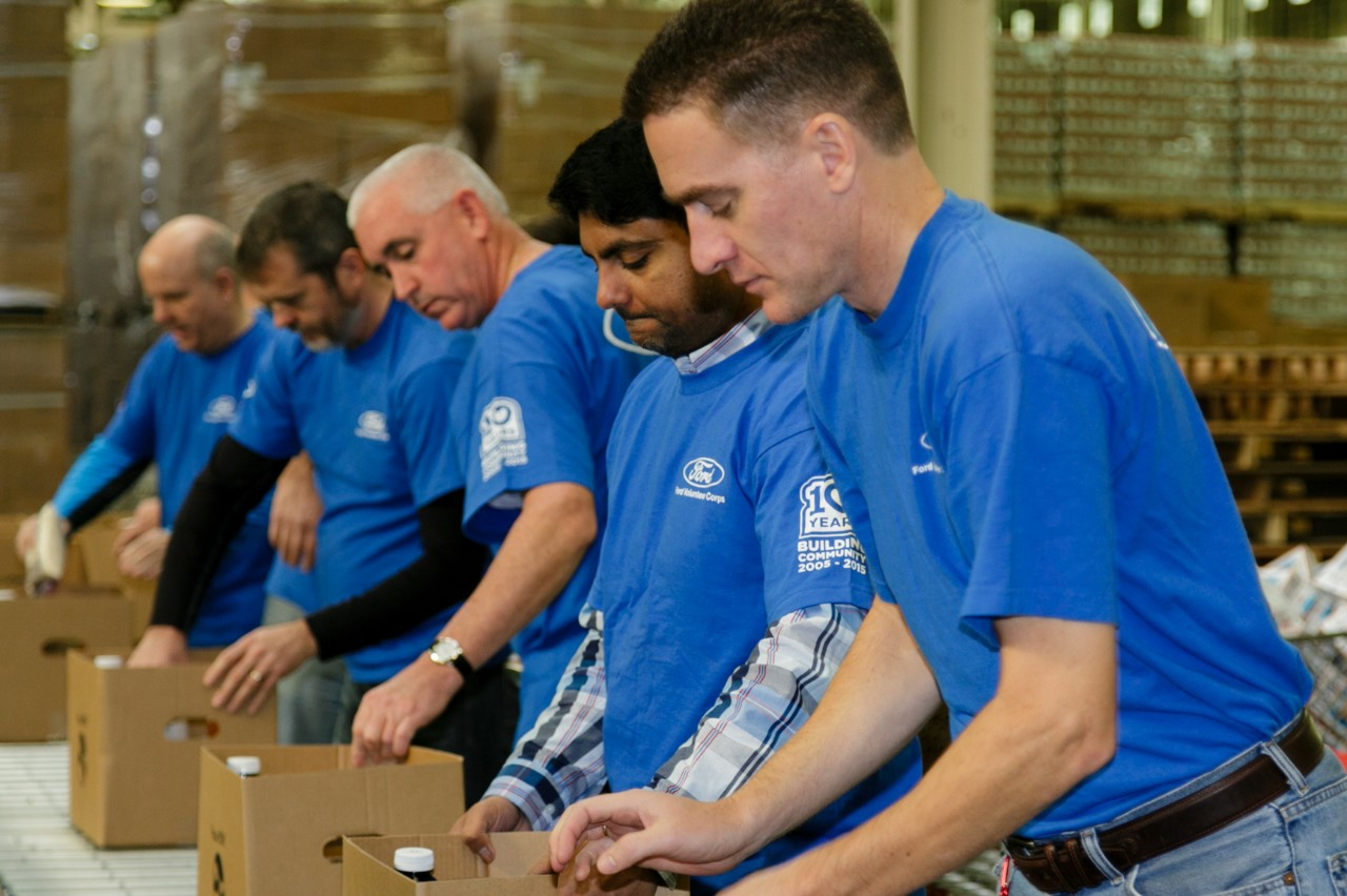 Ford employees help prepare Thanksgiving day meals